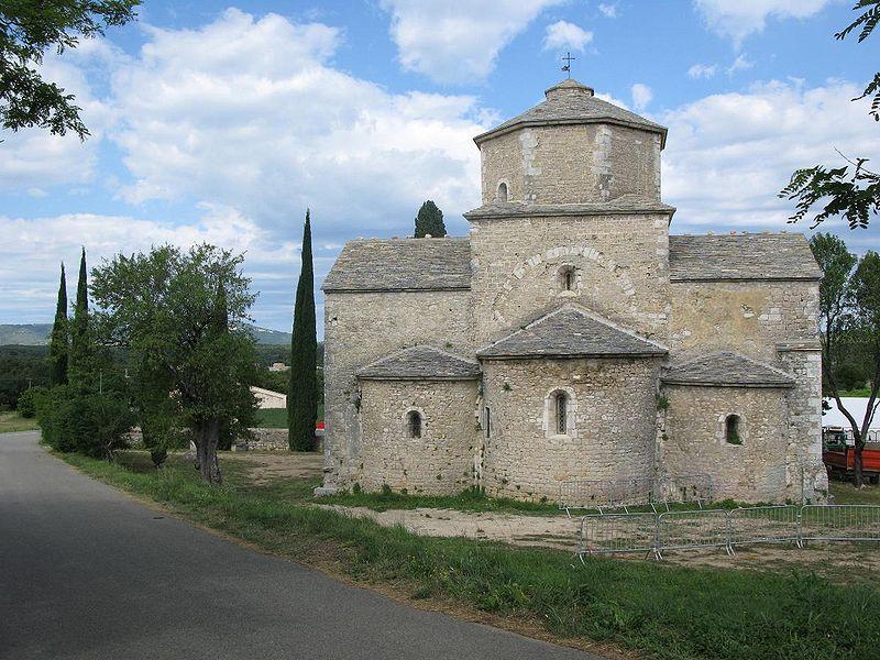 Photo du Monument Historique Eglise Saint-Pierre situé à Larnas