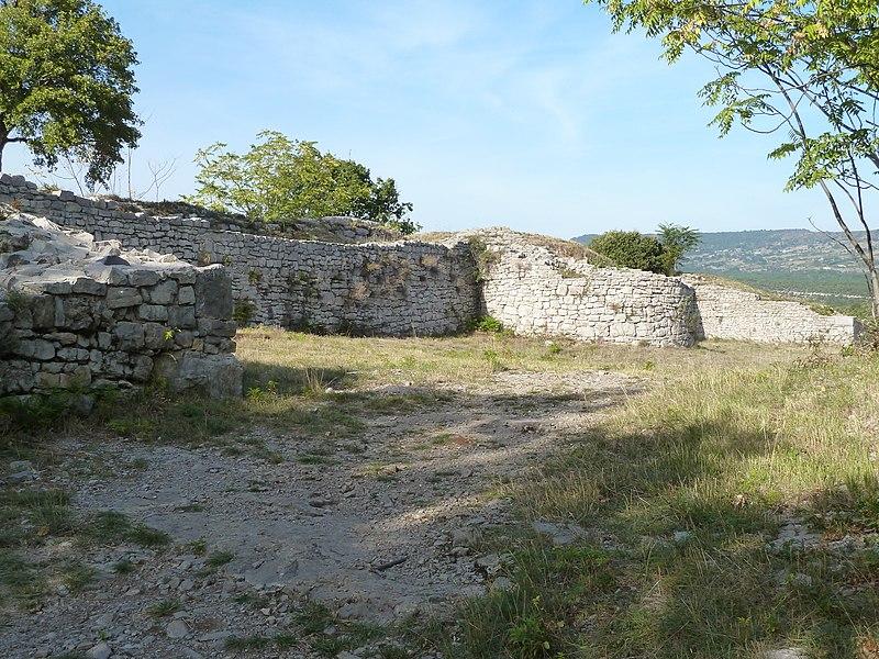 Photo du Monument Historique Oppidum de Jastres-Nord situé à Lussas