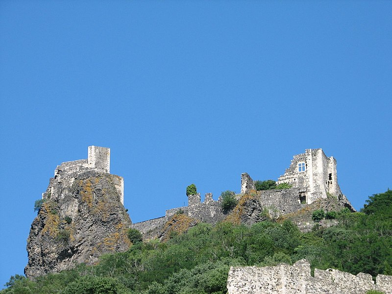Photo du Monument Historique Château situé à Rochemaure