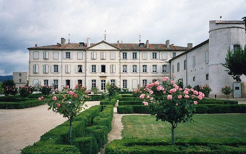 Photo du Monument Historique Château de Gourdan situé à Saint-Clair