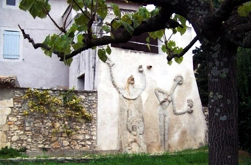 Photo du Monument Historique Maison dite de Max Ernst situé à Saint-Martin-d'Ardèche