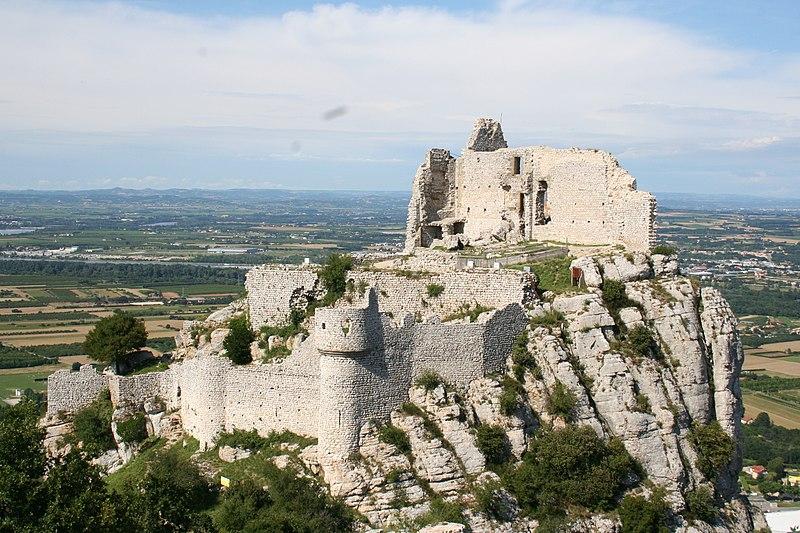 Photo du Monument Historique Château de Crussol (ruines) situé à Saint-Péray