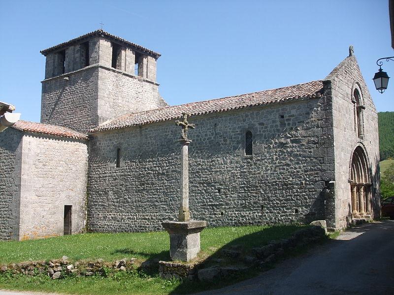 Photo du Monument Historique Eglise de Veyrines situé à Saint-Symphorien-de-Mahun