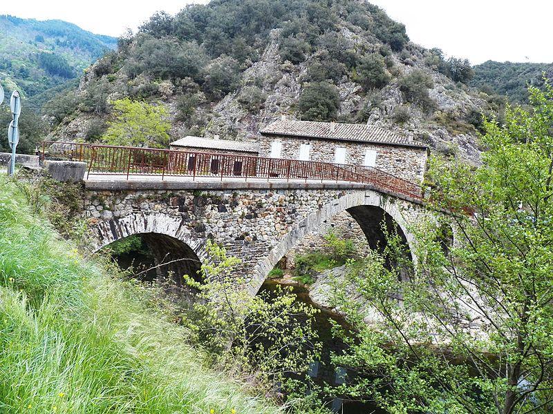 Photo du Monument Historique Pont du Gua sur la Baume (également sur commune de Beaumont) situé à Sanilhac