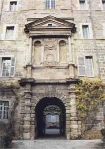 Photo du Monument Historique Lycée d'Etat Gabriel Faure situé à Tournon-sur-Rhône