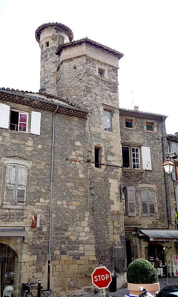 Photo du Monument Historique Maison situé à Tournon-sur-Rhône