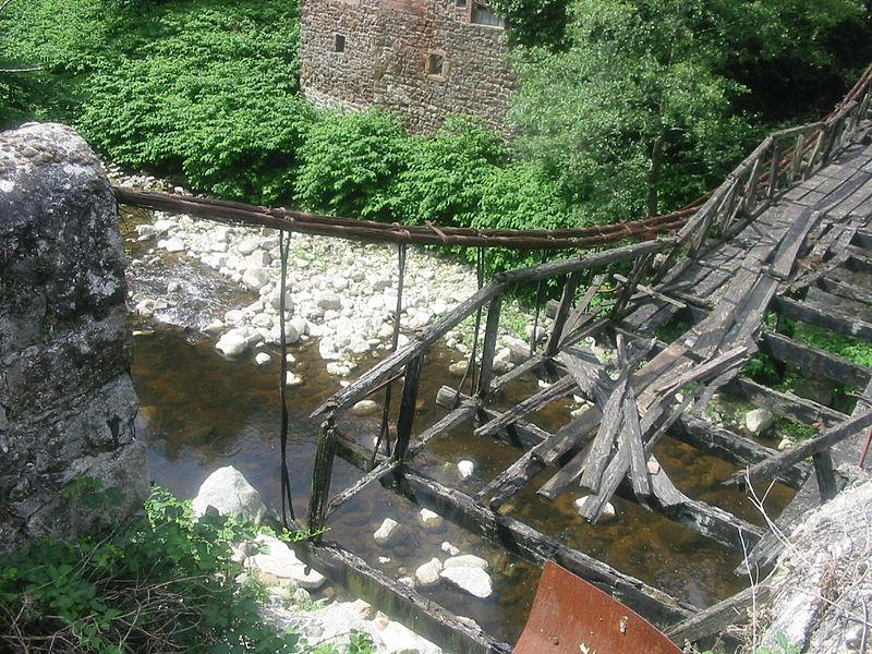 Photo du Monument Historique Pont suspendu sur la Cance dit Pont du Moulin  (également sur commune de Quintenas) situé à Vernosc-lès-Annonay