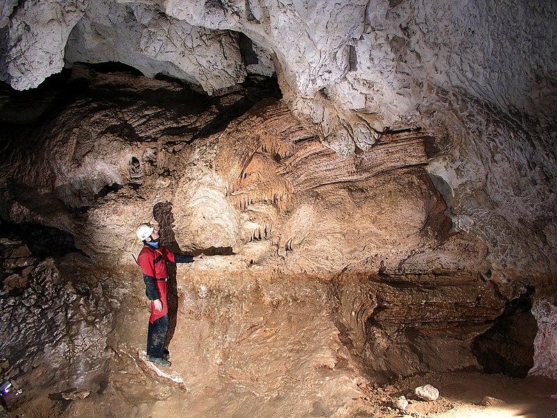 Photo du Monument Historique Grotte de Louoï situé à Vallon-Pont-d'Arc