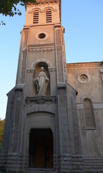 Photo du Monument Historique Usine de chaux - cimenterie Lafarge, chapelle Saint-Victor de la cité Blanche situé à Viviers