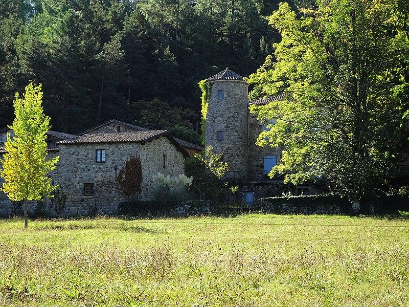 Photo du Monument Historique Ancienne maison forte de Montseveny dite château de Montseveny situé à Prades