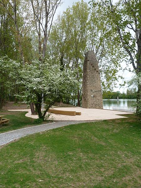 Photo du Monument Historique Bac à traille situé à Champagne