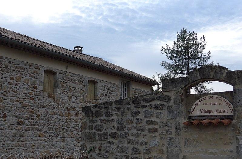 Photo du Monument Historique Grange du Cheylard, ancienne dépendance de l'abbaye de Mazan situé à Aubenas