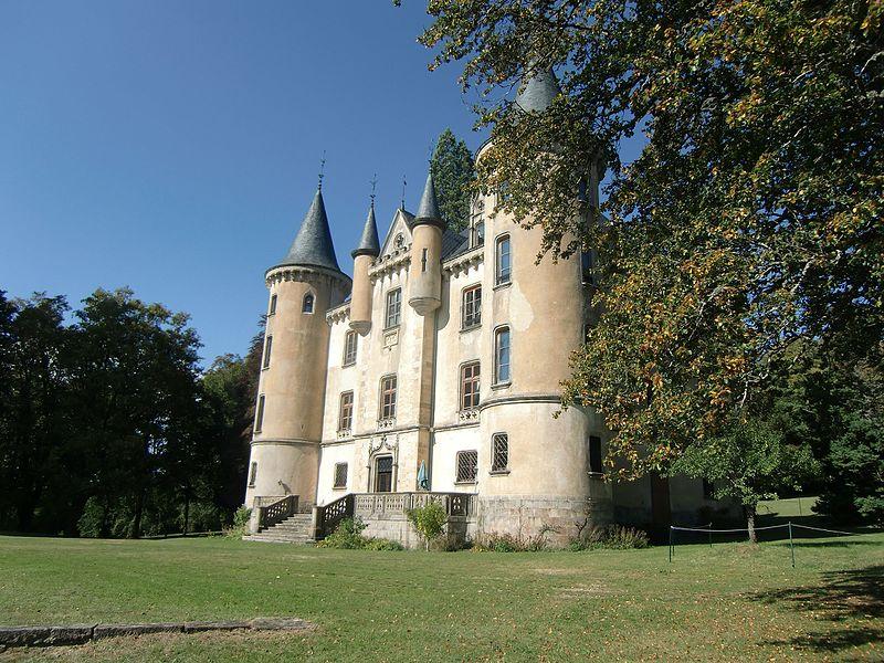 Photo du Monument Historique Château de Montivert situé à Saint-André-en-Vivarais
