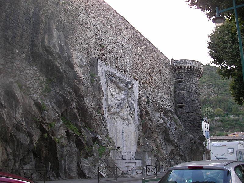Photo du Monument Historique Monument aux morts situé à Tournon-sur-Rhône
