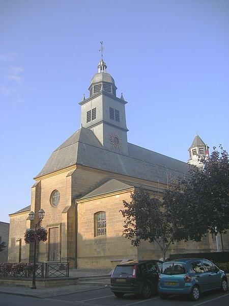 Photo du Monument Historique Eglise Notre-Dame situé à Carignan
