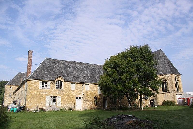 Photo du Monument Historique Ancienne église de La Cassine et couvent des Cordeliers situé à Vendresse