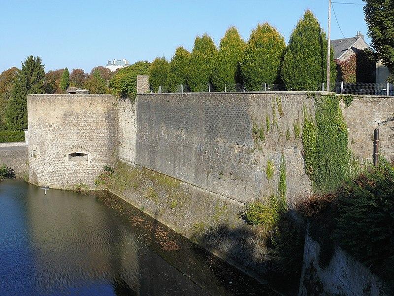 Photo du Monument Historique Enceinte situé à Charleville-Mézières