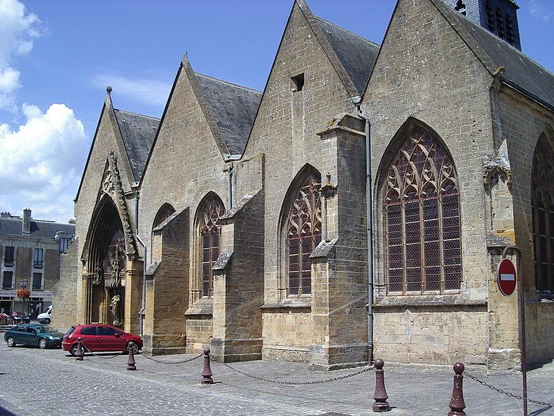 Photo du Monument Historique Eglise situé à Donchery