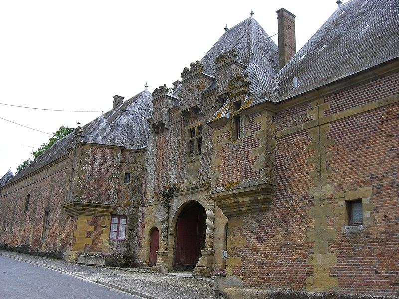 Photo du Monument Historique Château situé à Grandpré