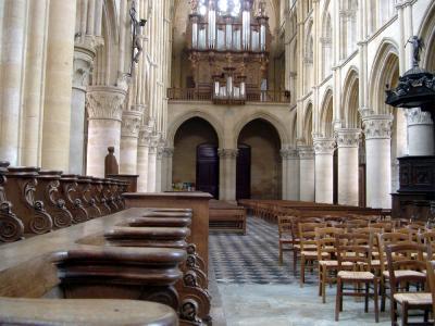 Photo du Monument Historique Eglise abbatiale Notre-Dame situé à Mouzon