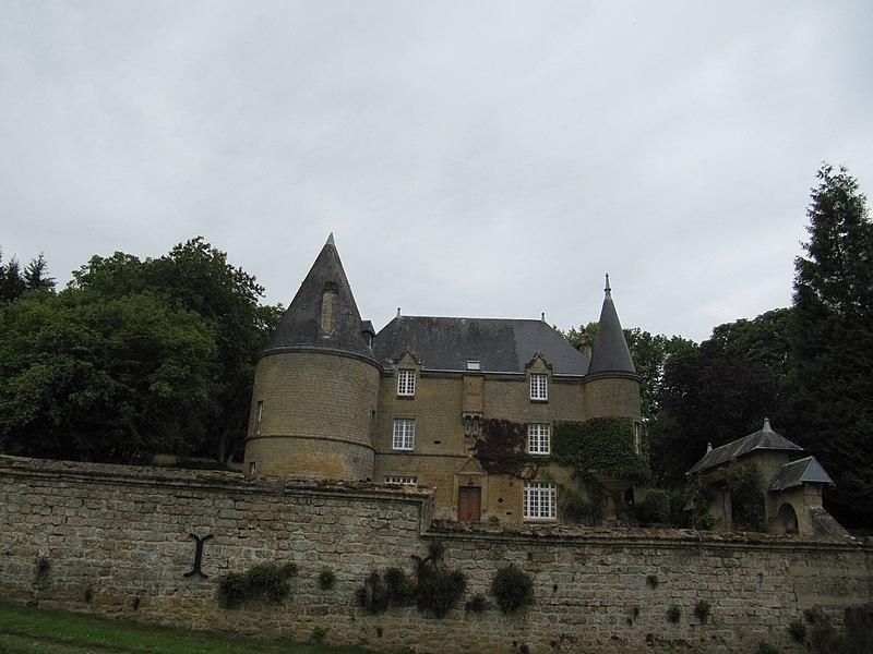 Photo du Monument Historique Château situé à Remilly-les-Pothées