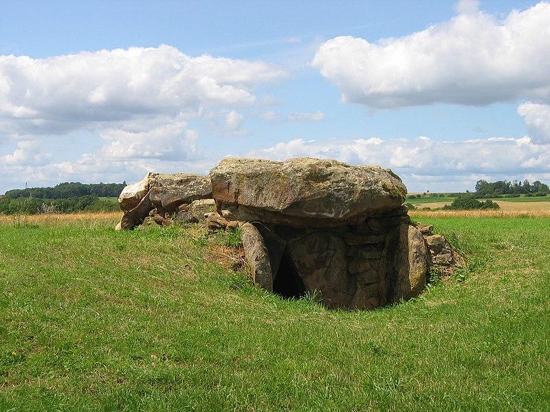 Photo du Monument Historique Allée couverte de «Giraumont» situé à Saint-Marcel
