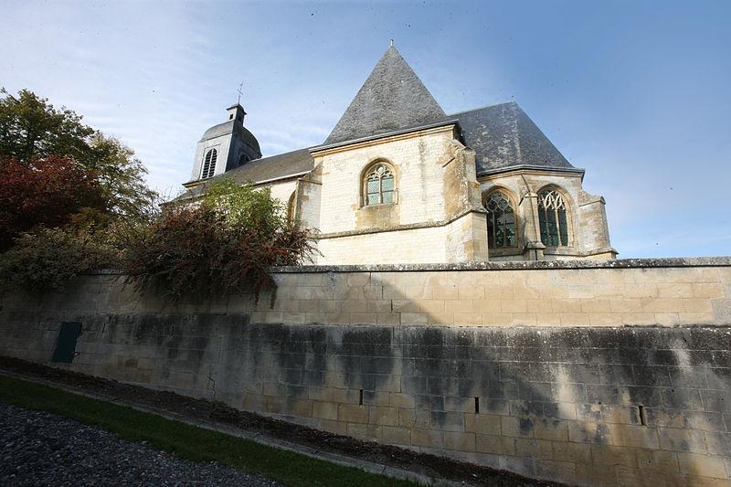 Photo du Monument Historique Cimetière désaffecté entourant l'église situé à Saint-Morel
