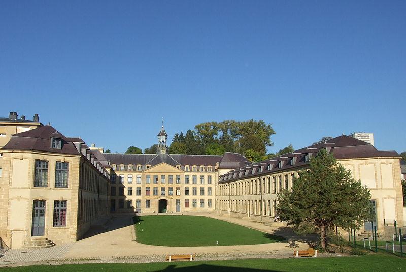 """Photo du Monument Historique Ancienne manufacture royale de draps dite """"le Dijonval"""" situé à Sedan"""