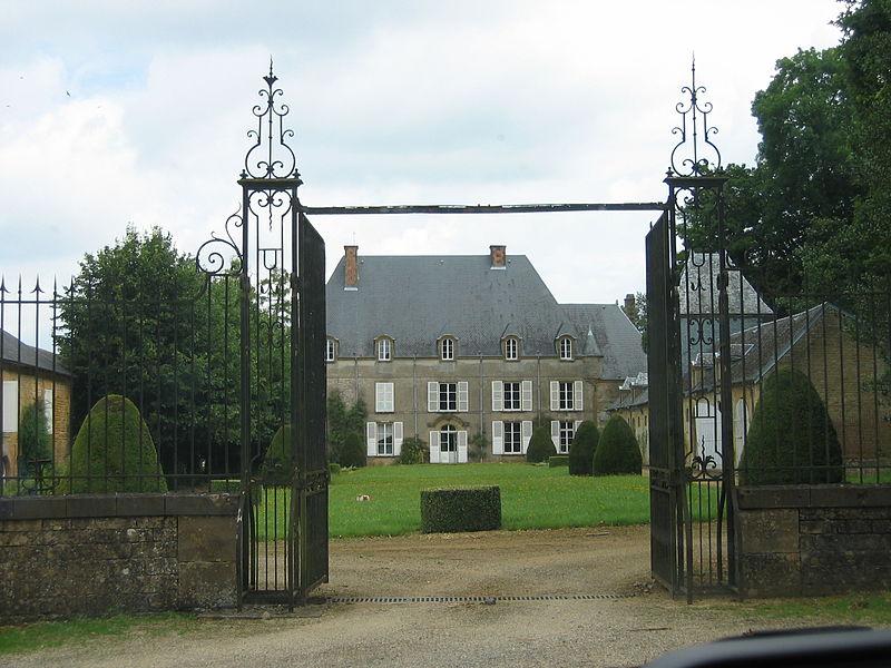 Photo du Monument Historique Château de Saint-Marceau situé à Saint-Marceau