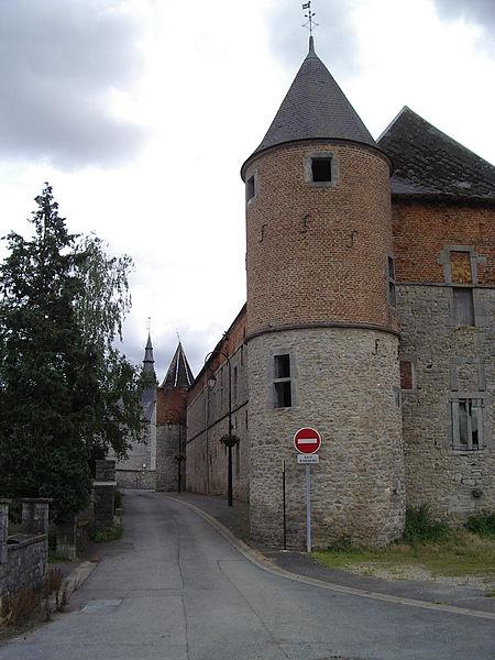 Photo du Monument Historique Château-ferme de Foisches situé à Foisches