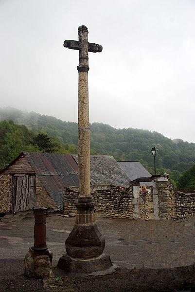 Photo du Monument Historique Croix de marbre situé à Antras