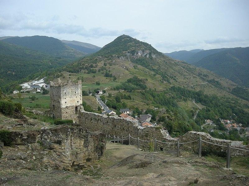 Photo du Monument Historique Ruines du château situé à Lordat