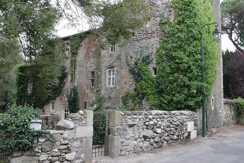 Photo du Monument Historique Château fortifié situé à Loubières