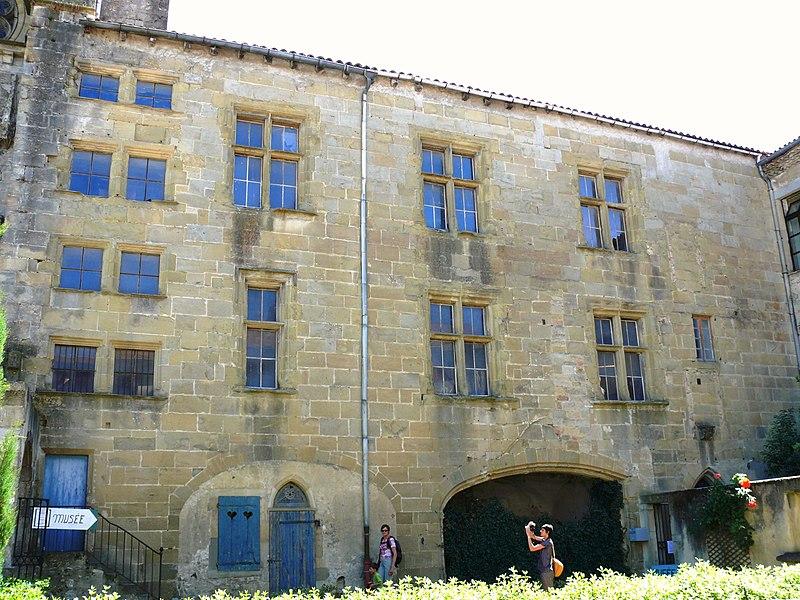 Photo du Monument Historique Palais épiscopal (ancien évêché) situé à Mirepoix