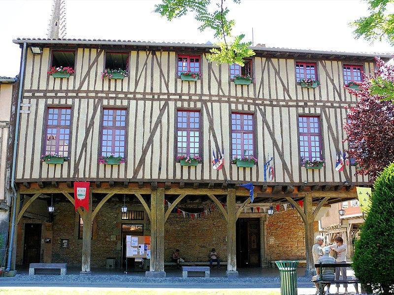 Photo du Monument Historique Hôtel de ville situé à Mirepoix