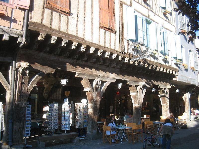 Photo du Monument Historique Maison du 15e siècle dite maison des Consuls situé à Mirepoix