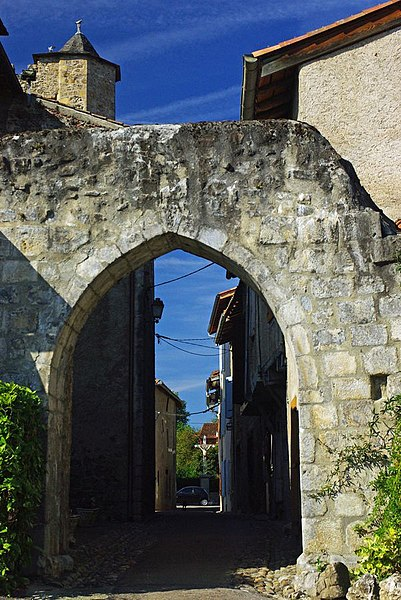 Photo du Monument Historique Porte de ville situé à Montjoie-en-Couserans