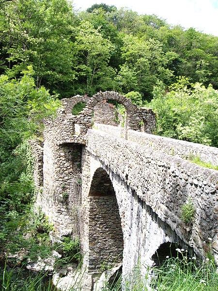 Photo du Monument Historique Pont du Diable sur l'Ariège, près de Mercus-Carrabet situé à Montoulieu