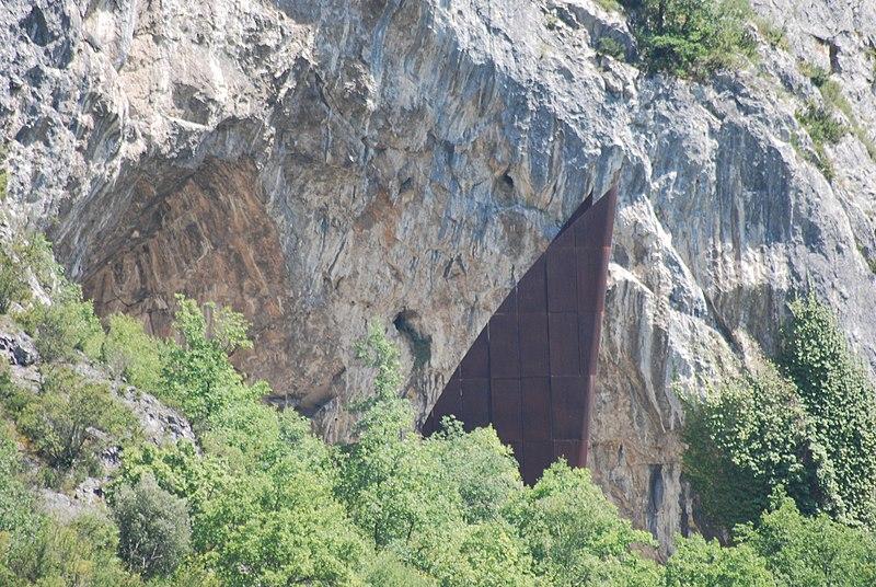 Photo du Monument Historique Grotte de la Calbière dite Grotte de Niaux situé à Niaux