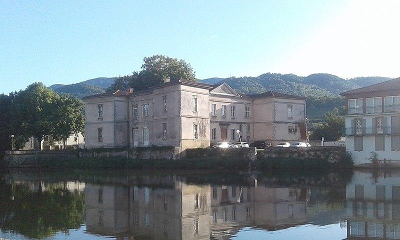 Photo du Monument Historique Ancien château situé à Saint-Girons