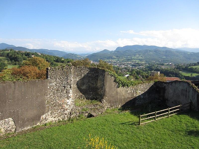 Photo du Monument Historique Murailles gallo-romaines situé à Saint-Lizier