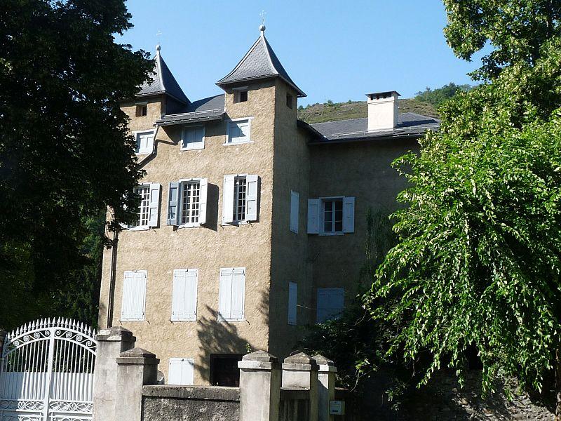 Photo du Monument Historique Château de Savignac situé à Savignac-les-Ormeaux