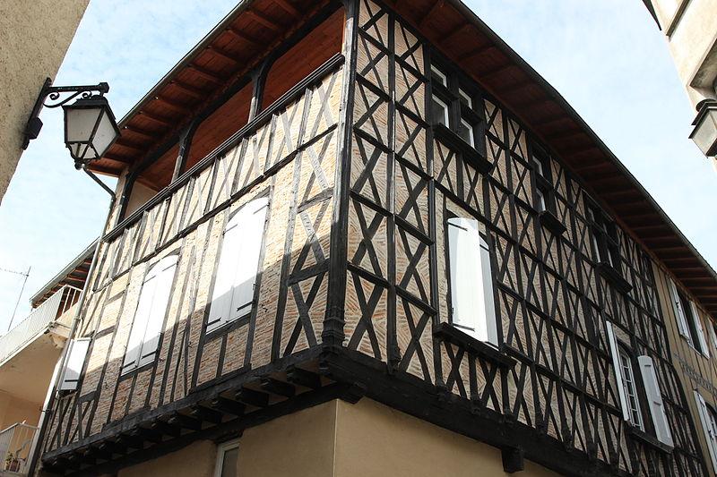 Photo du Monument Historique Maison en pans de bois situé à Varilhes