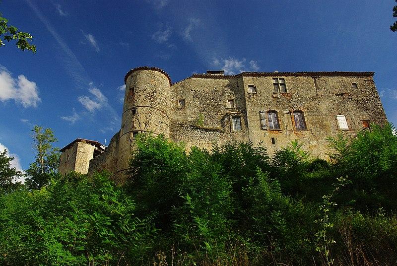 Photo du Monument Historique Château de Pailhès situé à Pailhès