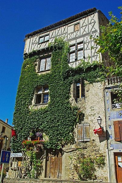 Photo du Monument Historique Immeuble dit maison haute situé à Camon