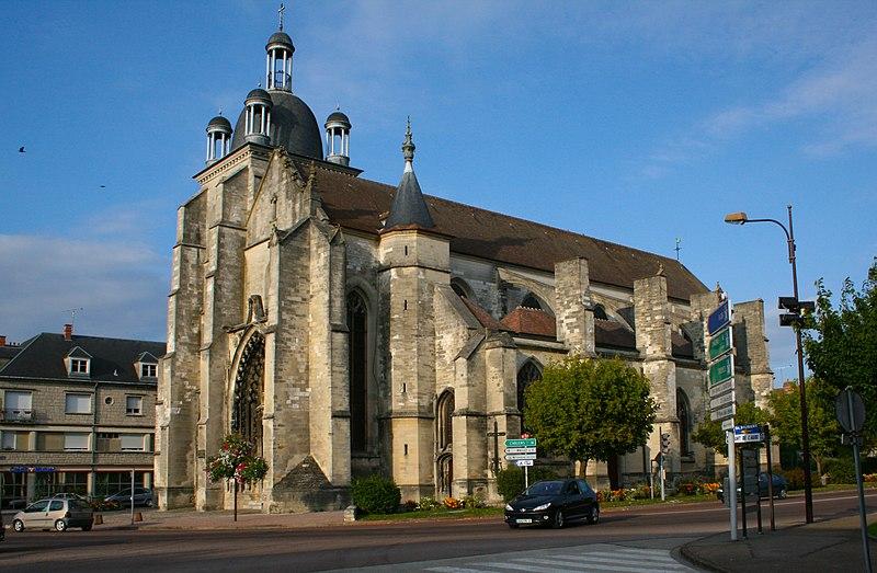 Photo du Monument Historique Eglise situé à Arcis-sur-Aube