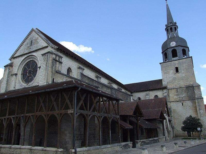 Photo du Monument Historique Eglise Saint-Pierre situé à Bar-sur-Aube