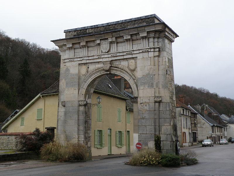Photo du Monument Historique Porte de Châtillon situé à Bar-sur-Seine