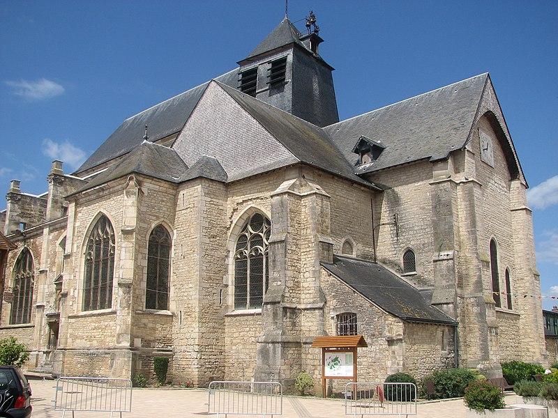 Photo du Monument Historique Eglise situé à Chaource