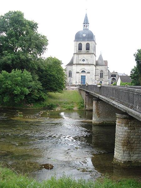 Photo du Monument Historique Eglise situé à Dienville